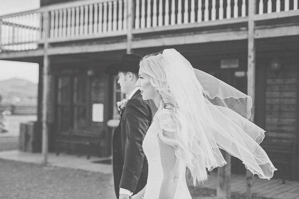 LoganUtahWeddingPhotography-HeidiRandallStudios-Kailey+Kyler-28.jpg