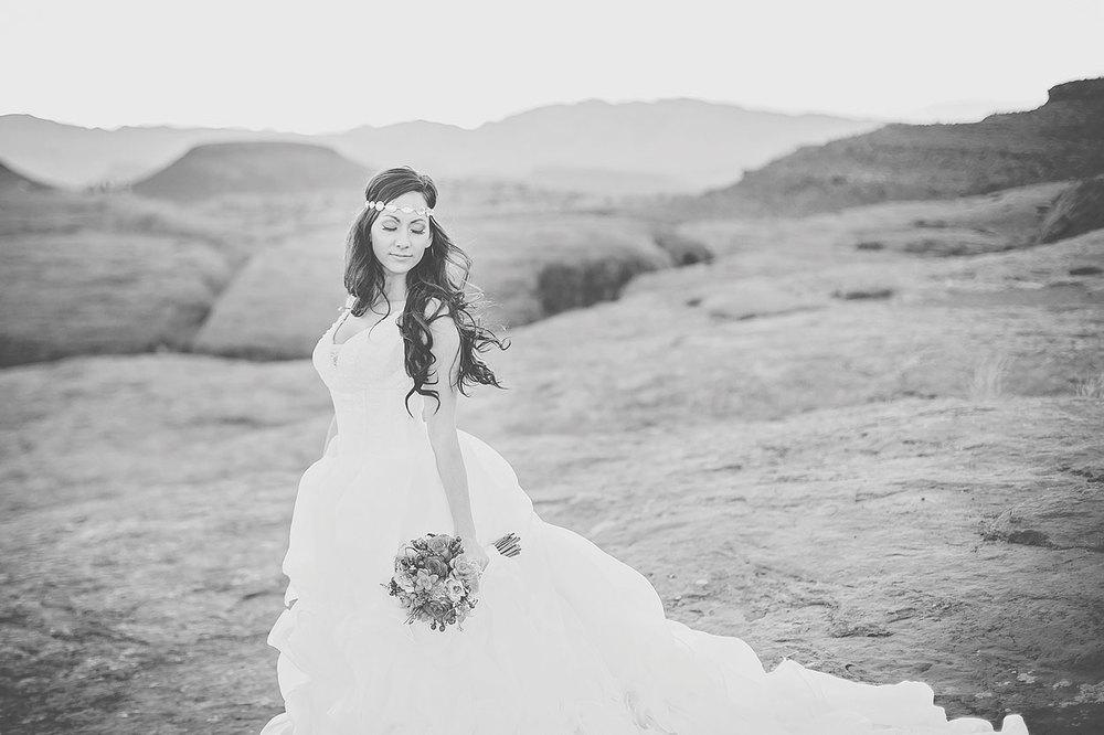StGeorgeUtahStyledBridalPhotography-HeidiRandallStudios-Renee+Darren-34.jpg