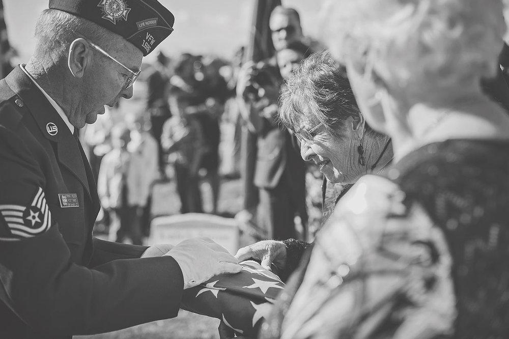 LoganUtahFamilyPhotography-HeidiRandallStudios-GrandpaSmith-23.jpg