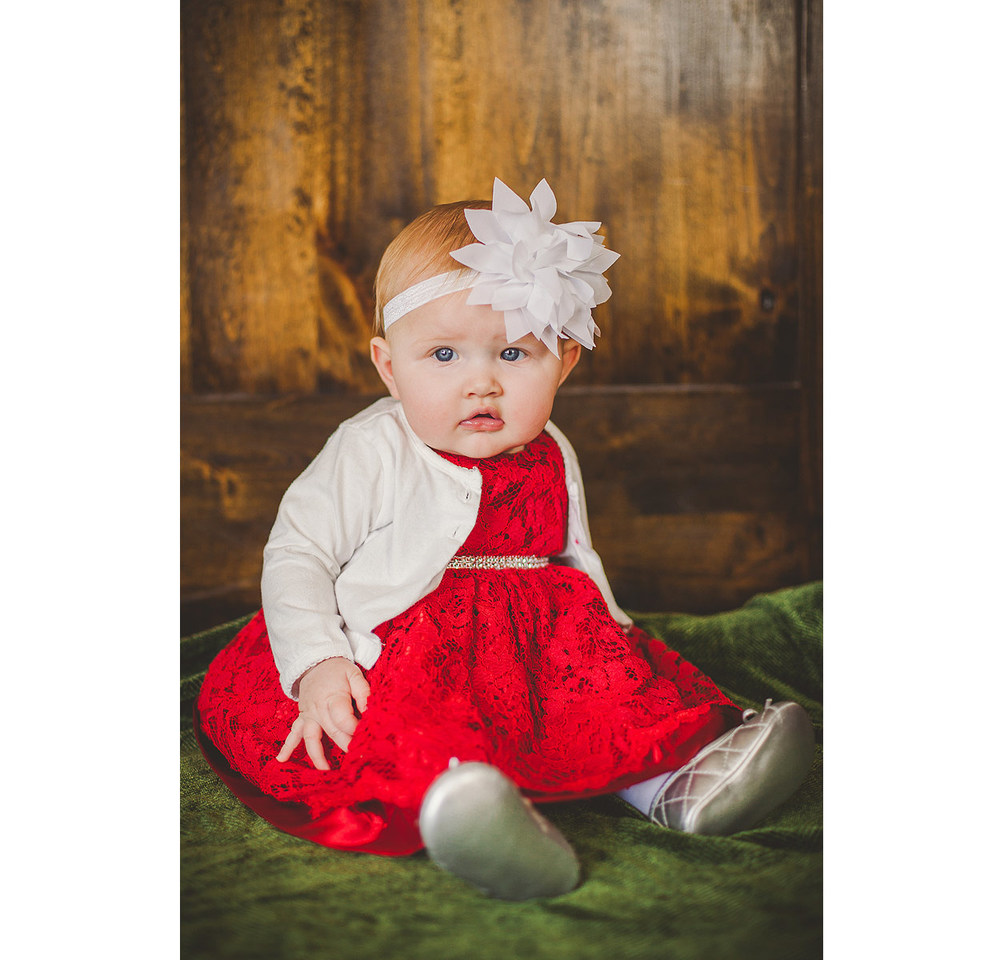OakleyCHRISTMASbabyPhotography-LoganUtahFamilyPhotography-HeidiRandallStudios-2.jpg