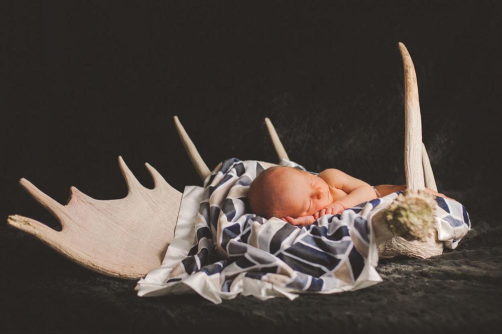 BLOG-LoganUtahFamilyPhotography-HeidiRandallStudios-LincolnNewborns-6.jpg