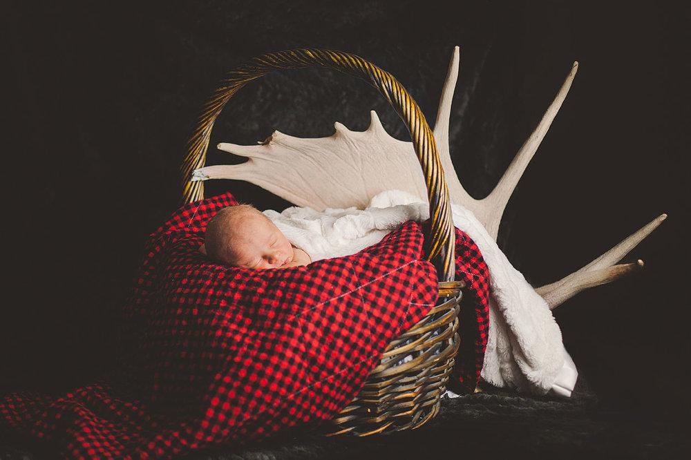 BLOG-LoganUtahFamilyPhotography-HeidiRandallStudios-LincolnNewborns-12.jpg