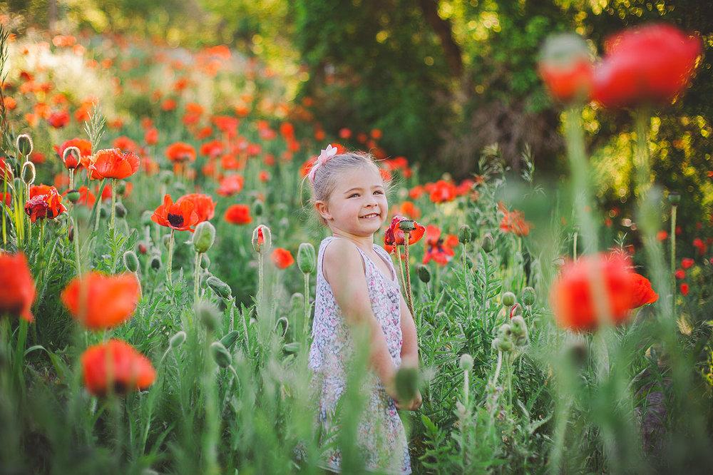 BLOG-LoganUtahFamilyPhotography-HeidiRandallStudios-Poppies-9.jpg