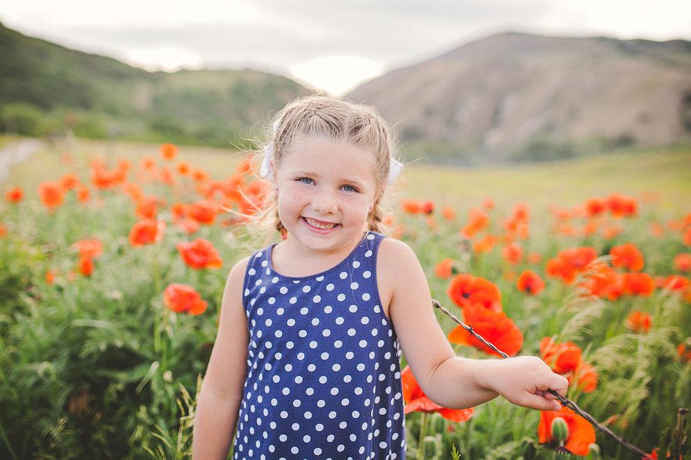 BLOG-LoganUtahFamilyPhotography-HeidiRandallStudios-Poppies-20.jpg