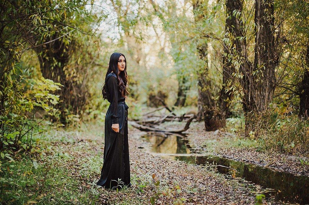 BLOG-LoganUtahPortraitPhotography-HeidiRandallStudios-HalloweenStyledShoot-Markell-6.jpg