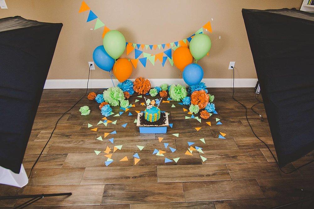 LoganUtahCakeSmashPhotographer-ProductPhotographyUtah-HeidiRandallStudios-Lincoln-BoyCakeSmashPhotos-4.jpg