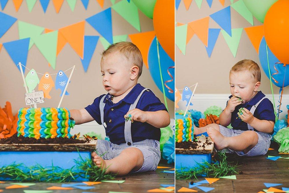 LoganUtahCakeSmashPhotographer-ProductPhotographyUtah-HeidiRandallStudios-Lincoln-BoyCakeSmashPhotos-7.jpg