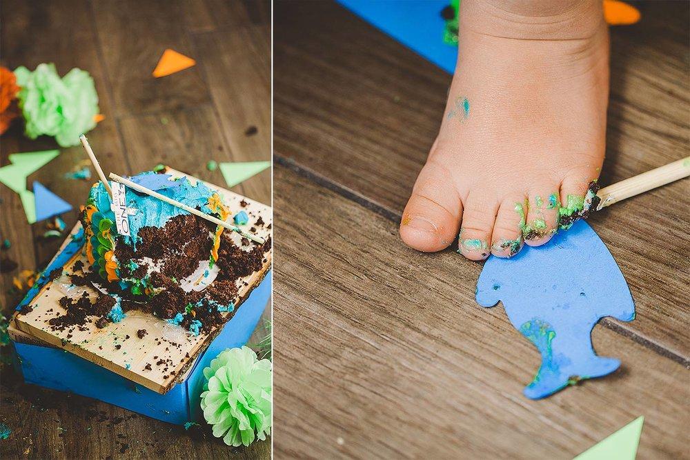 LoganUtahCakeSmashPhotographer-ProductPhotographyUtah-HeidiRandallStudios-Lincoln-BoyCakeSmashPhotos-18.jpg