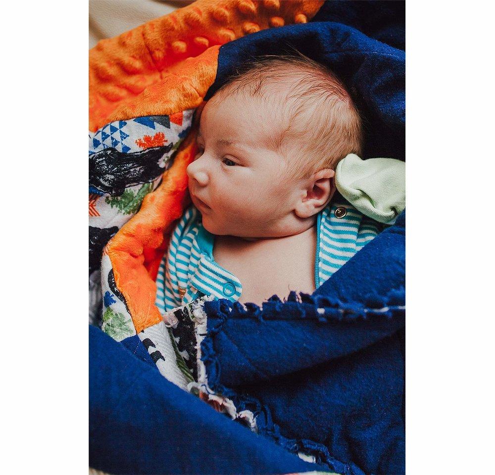LoganUtahNewbornPhotographer-LifestyleNewbornPhotographer-LoganUtah-HeidiRandallStudios-BabyBryce-BabyBoyNewbornPhotos-3.jpg