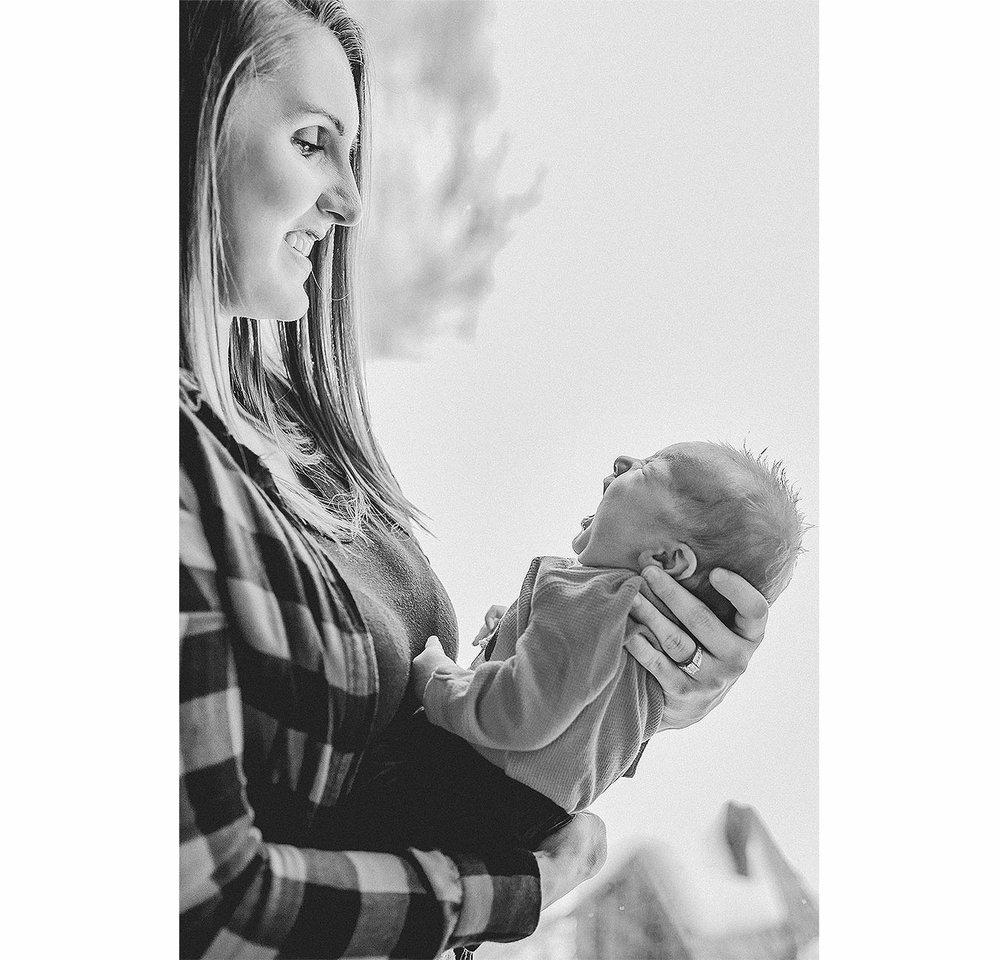 LoganUtahNewbornPhotographer-LifestyleNewbornPhotographer-LoganUtah-HeidiRandallStudios-BabyBryce-BabyBoyNewbornPhotos-14.jpg