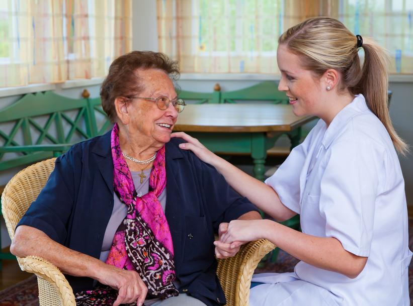 014131731 nurse home care visits patient.jpg