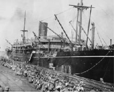 HMAT Benalla loading troops at Port Melbourne 19 October 1914
