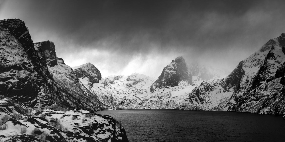 Moody Lofoten Mountains | MM 246 | Leica 16-18-21mm f/4 Tri-Elmar