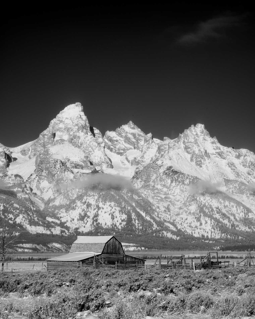 Farmhouse And the Tetons | MM 246 | 35mm Summilux ASPH FLE with Red Filter