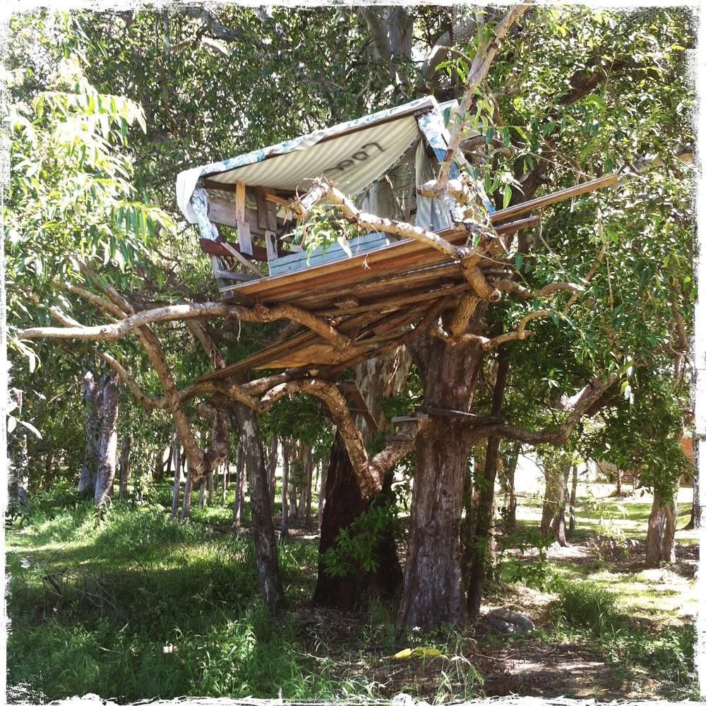 Treehouse cubbyhouse