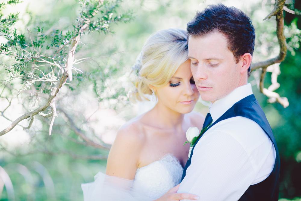 Rodger + Kirsty's Wedding Photo-Slideshow