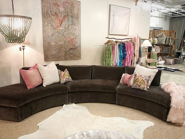 We are loving this new @leeindustries curved sectional! So chic and big enough for the entire family. . . . . #theMACKmix #picoftheday #instastyle #instapic #instadaily #homedecor #interiordesign #instainspo #styleinspo #instagram #shoplocal #homedesign #instaideas #furniture #homefurnishingscolumbiasc #designcolumbiasc #interiordesigner #weship #decor #decorate #organicdesign #columbiasc #themackmix