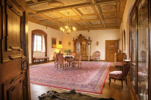 RoterSaal_SchlossKronburg.jpg