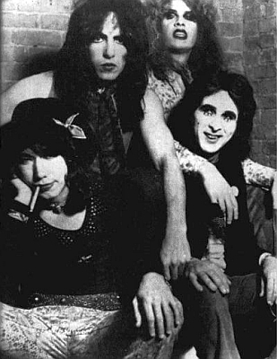 First promo shot after Ace Frehley joins.