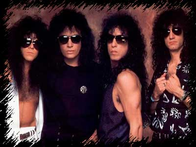 kiss-sunglasses.jpg