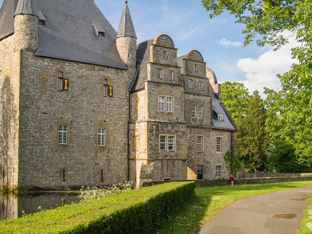Fruehling - Wasserburg Schelenburg 2.jpg