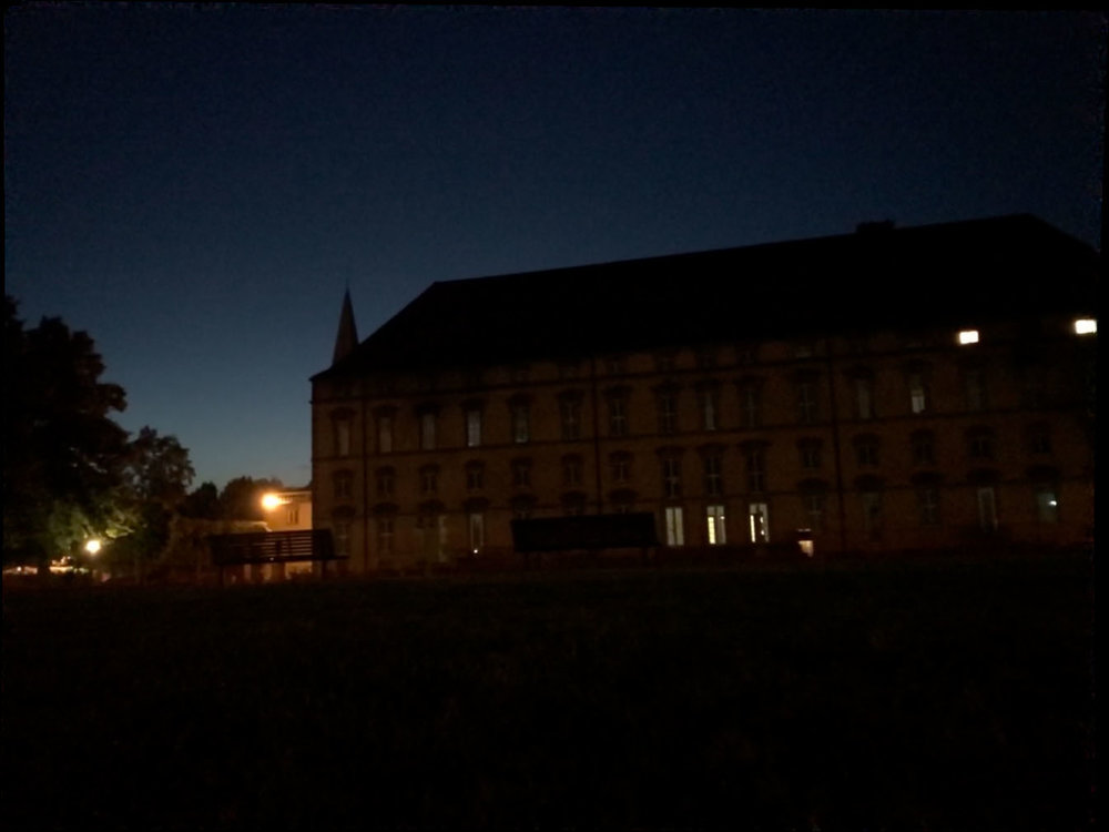 Apple Live Photo - stacking - Uni Osnabrück Nacht Campus Schloss Stadt Photoshop 1