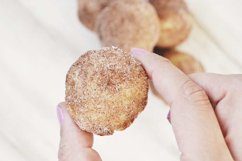 Sugar Donut Muffins // The Girl Kyle