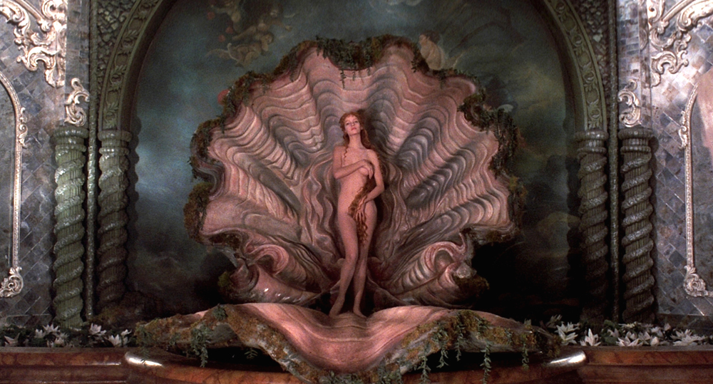 Uma Thurman posed as Botticelli's Venus