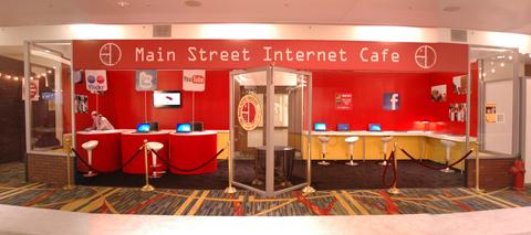 social media internet cafe