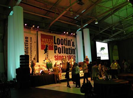 Lootin and Pollutin