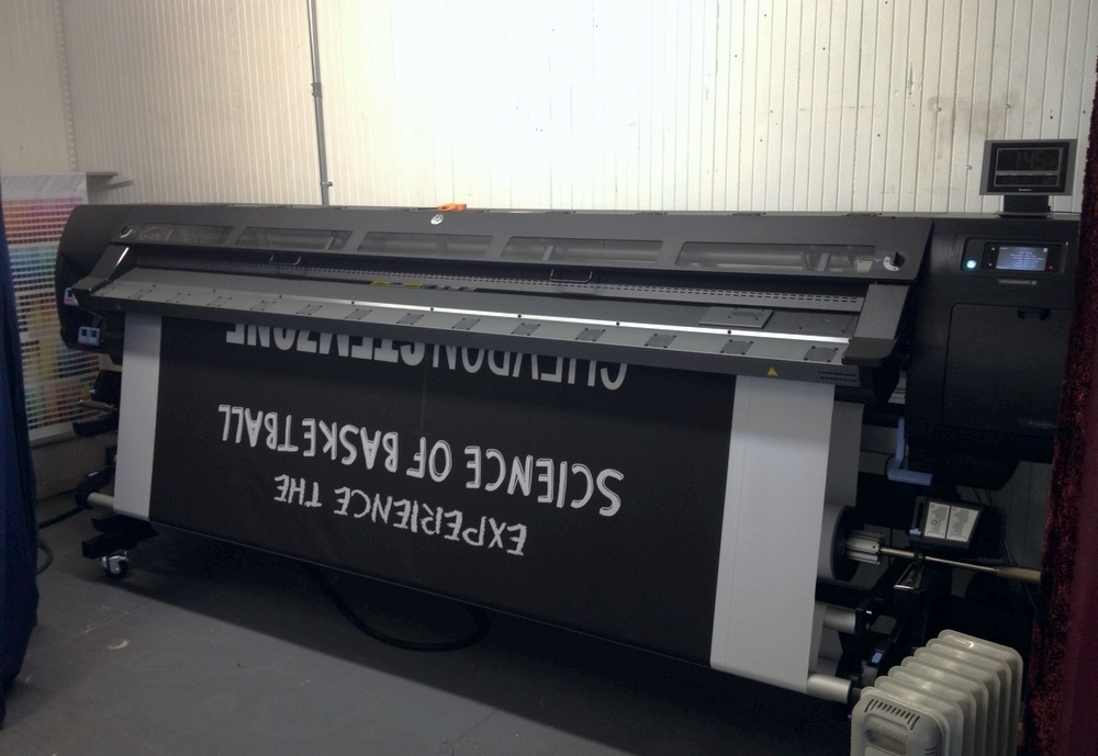 HP L280 latex printer in action John Murray Productions