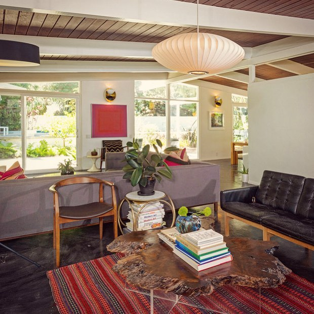 Mid-Century lover in Nichols Canyon #hollywoodhills #hollywoodhillsrealestate #midcentury #midcenturymodern #theparisigroup