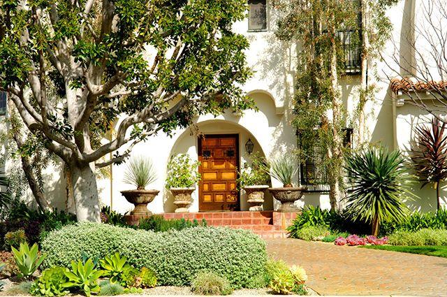 Longing for spring.  Follow @sparisi for more! - - .... .... .... #los #angeles #losfeliz #spanisharchitecture #spanishhome #losfelizrealestate #hollywoodhills #hollywoodhillshomes #westhollywood #exterior #theparisigroup
