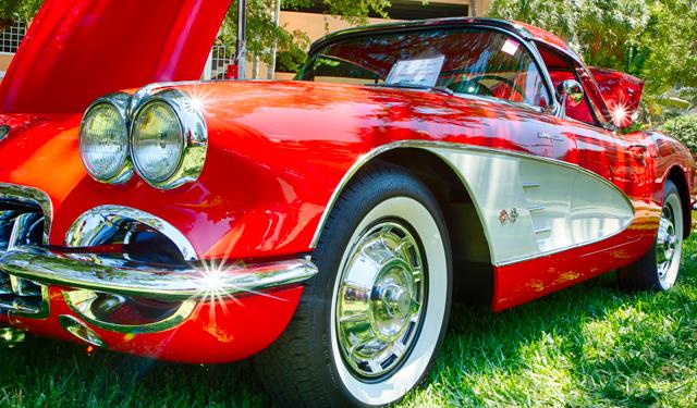 1960 Chevrolet Corvette.