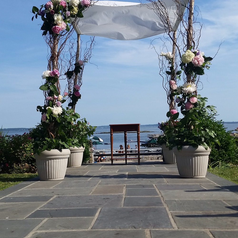 Off-site work with a marvelous waterside wedding. (Photo: Dorothy Yu, NYC)
