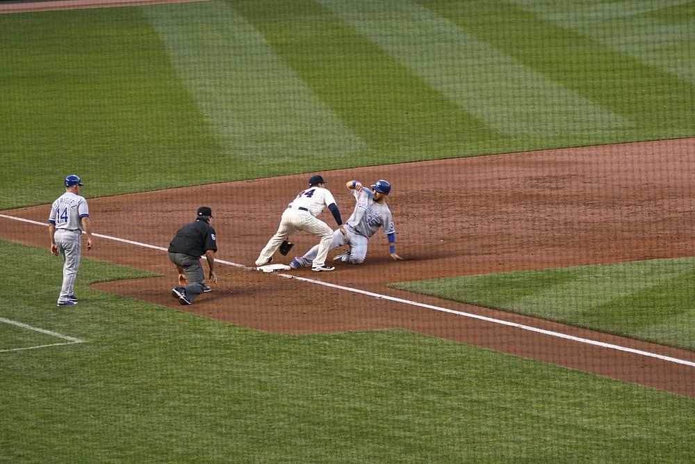 Eric Hosmer safe at third
