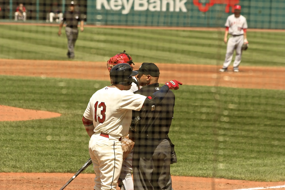 Asdrubal Cabrera arguing with the ump