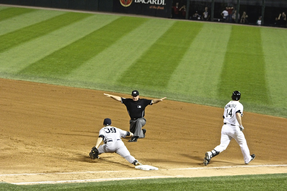 Paul Konerko safe at first