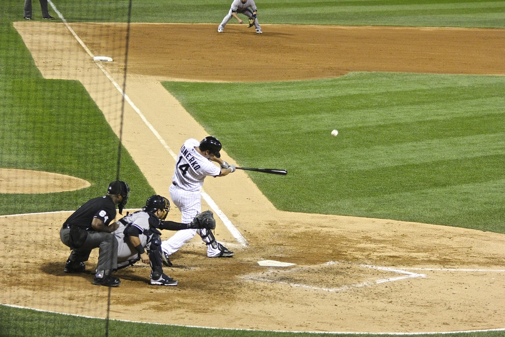 Paul Konerko base knock
