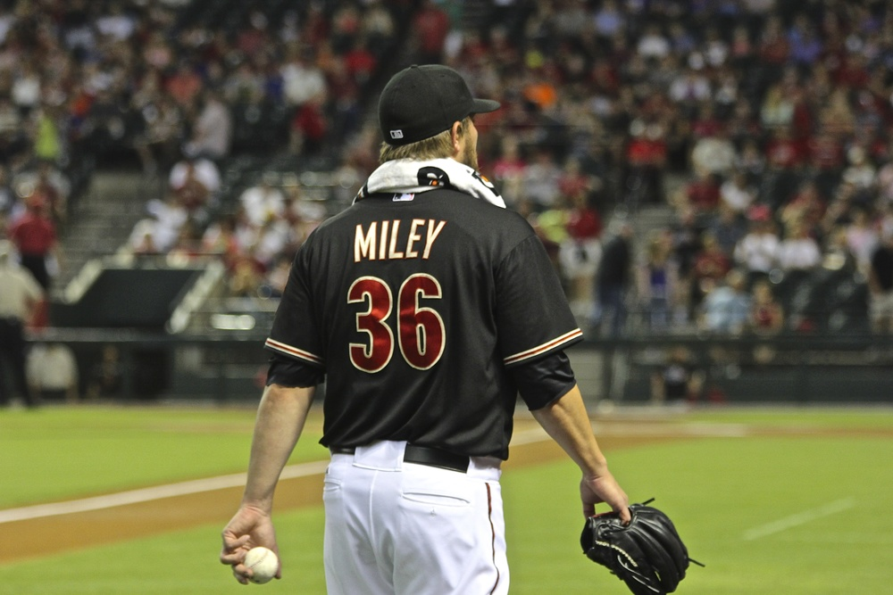 Wade Miley getting ready to pitch