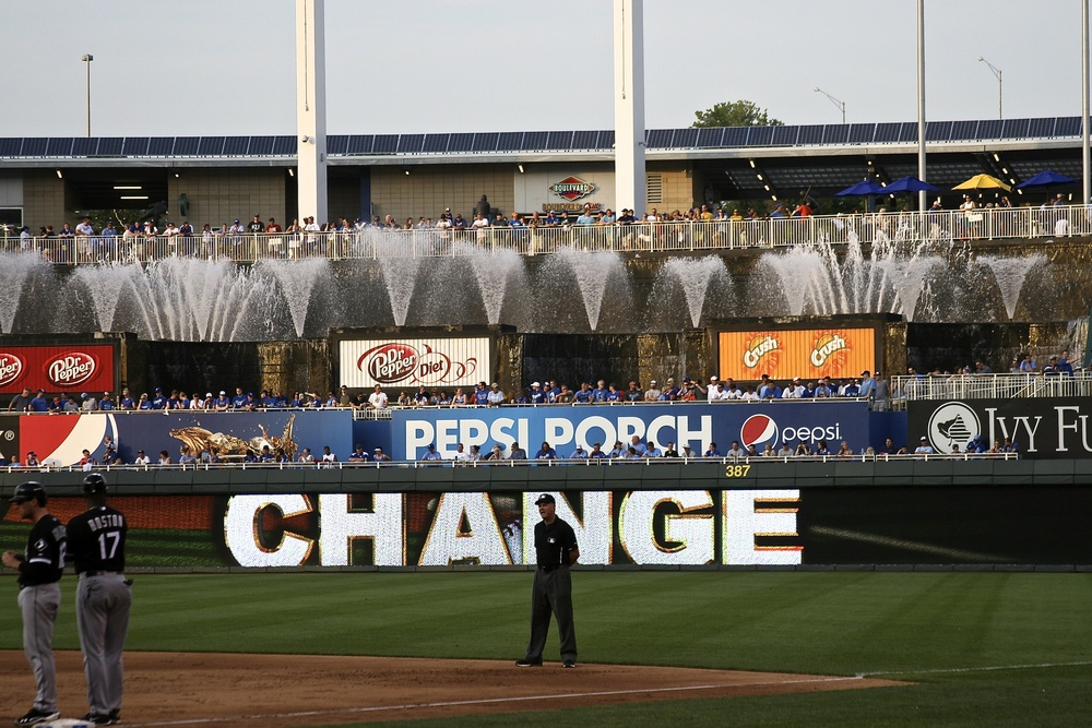 Pitching change fountain show