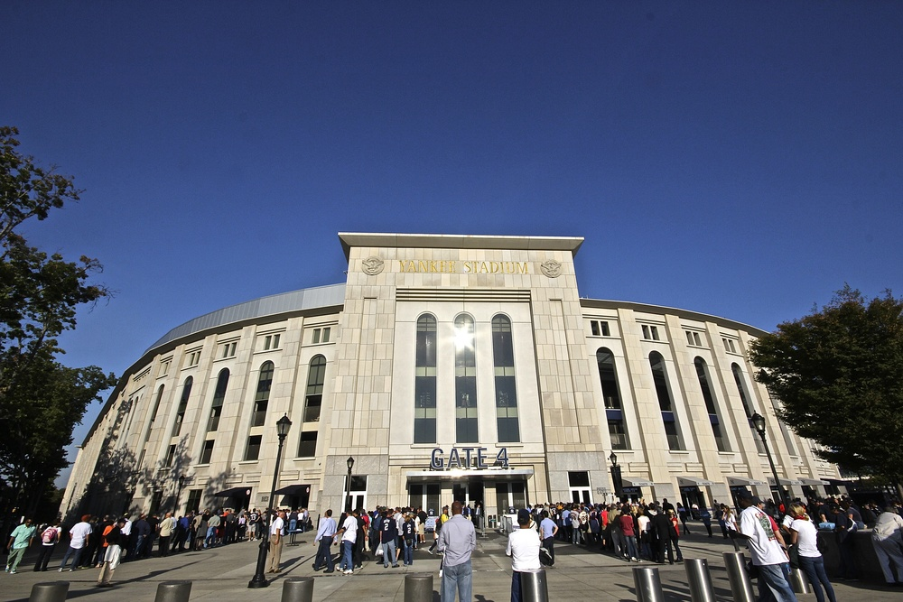 Yankee Stadium Gate 4.jpg
