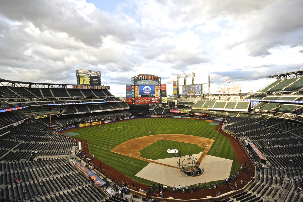Citi Field wide empty.jpg