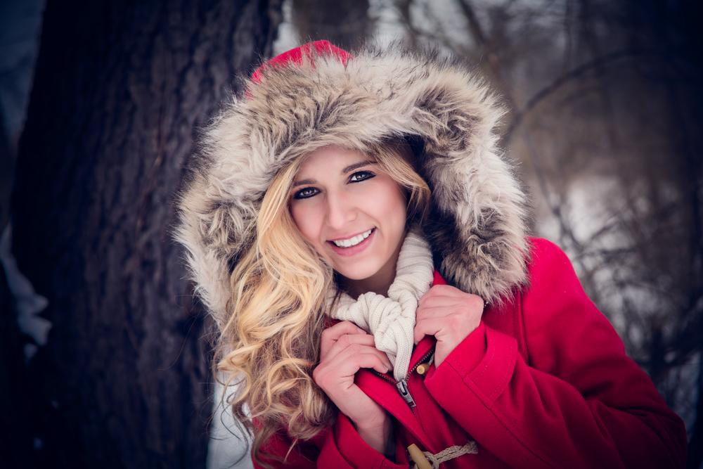 portage_michigan_senior_pictures_snow_redcoat.jpg