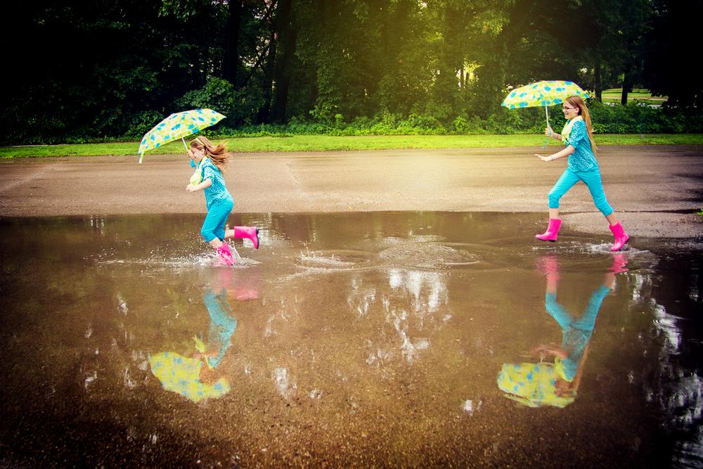 portage-michigan-child-photographer-puddle3.jpg