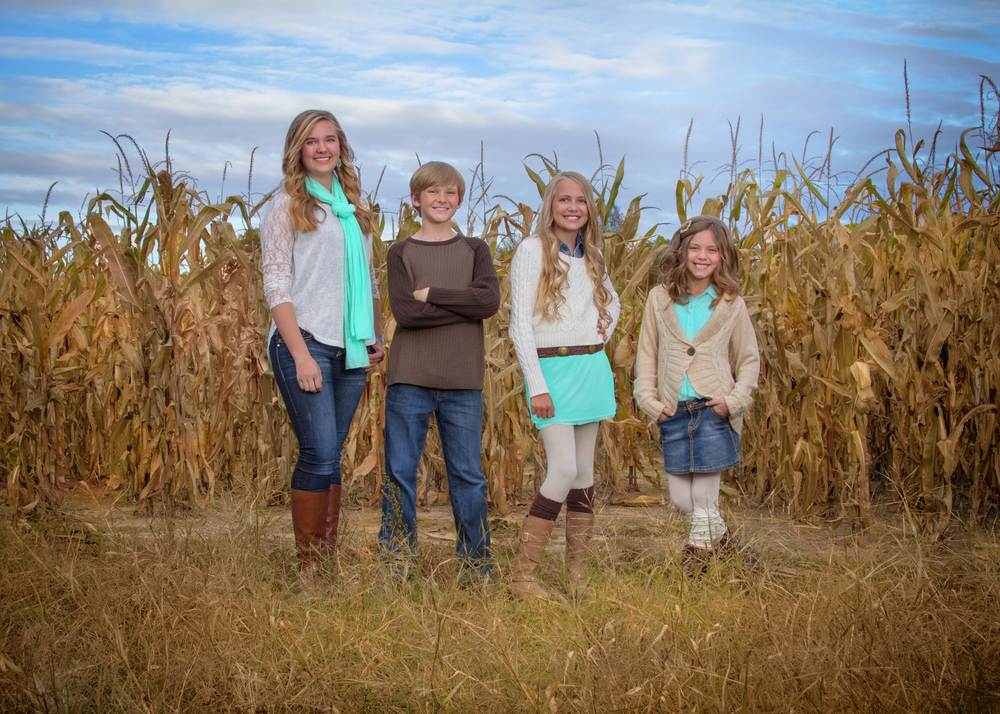 Portage-michigan-family-photographer:children-corn.jpg