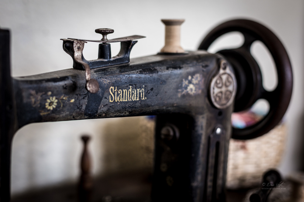 Standard Sewing Machine