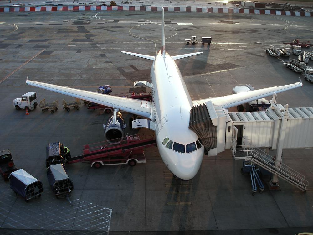 Aeroporto - Avião.jpg