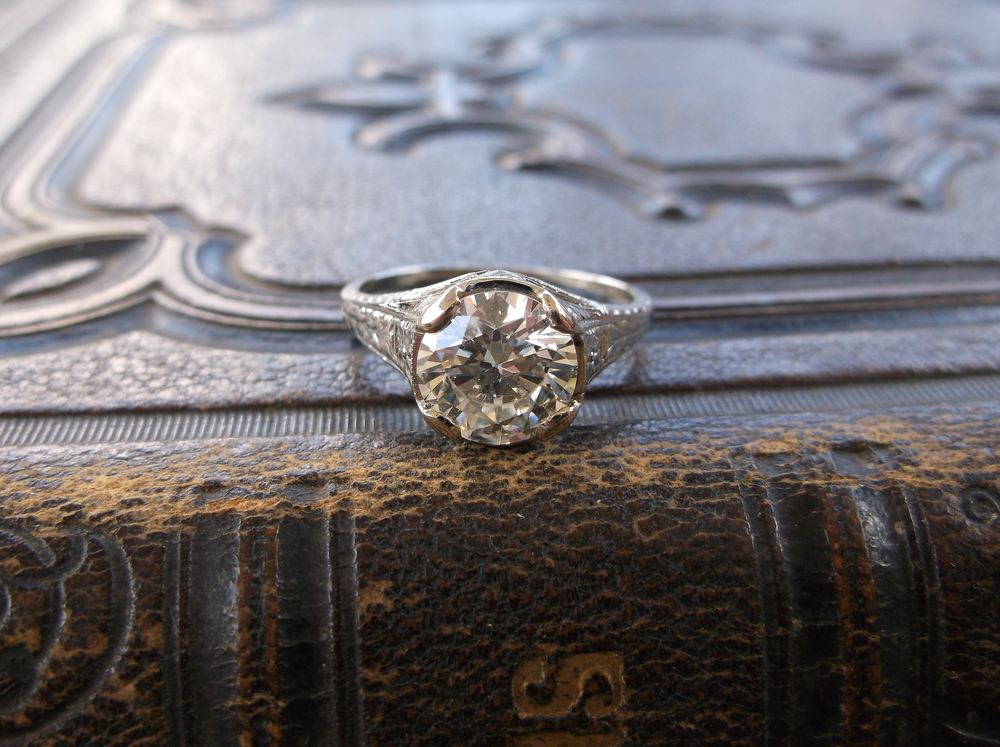 SOLD - Jaw dropping Art Deco 2.01 carat diamond ring in a beautiful filigree white gold mounting!