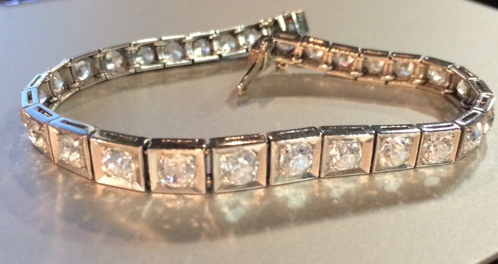 Art Deco Old European cut diamond bracelet in platinum.